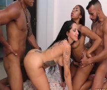 Porno Brasileiro em swing sexo liberal em grupo